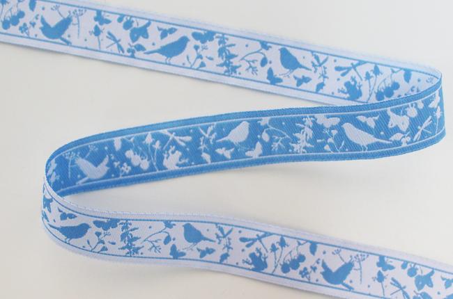 acufactumアクファクタム【50cm単位】約幅16mm-夏の小鳥/ブルーの鳥、昆虫、花柄ジャガードリボン