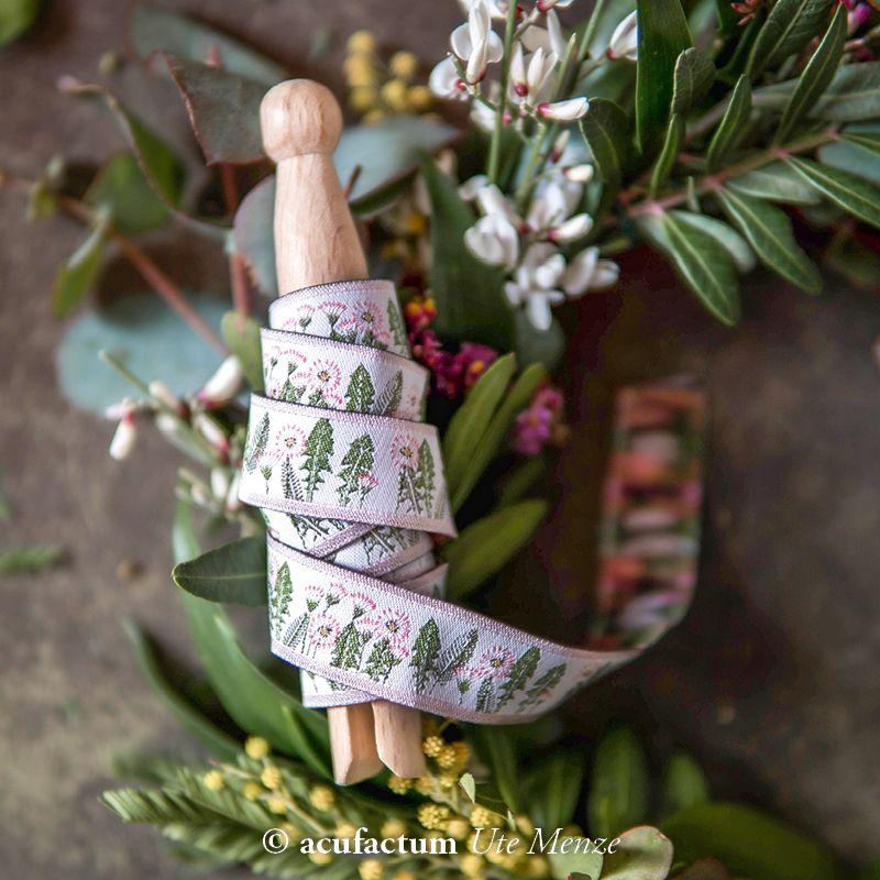 【50cm単位】acufactum315 約幅16mm ピンク花、たんぽぽと春の葉柄のジャガードリボン チロリアンテープ