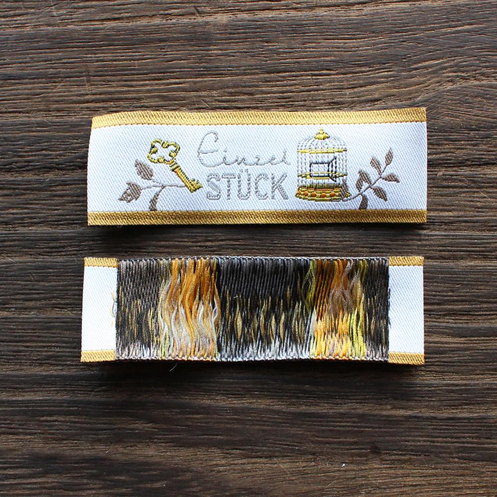 【acufactum276】 約2cm×約5.7cm幅-古い鍵と鳥かごのタグ ラベル 織ネーム