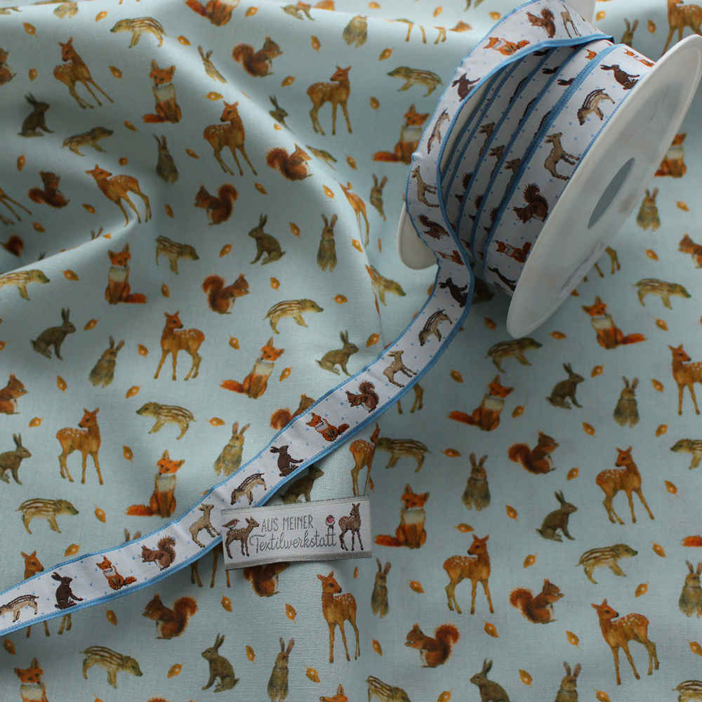 【140cm×50cm】acufactum660 秋の森の動物たち キツネ イノシシ 鹿 リス ウサギ の生地ブルー