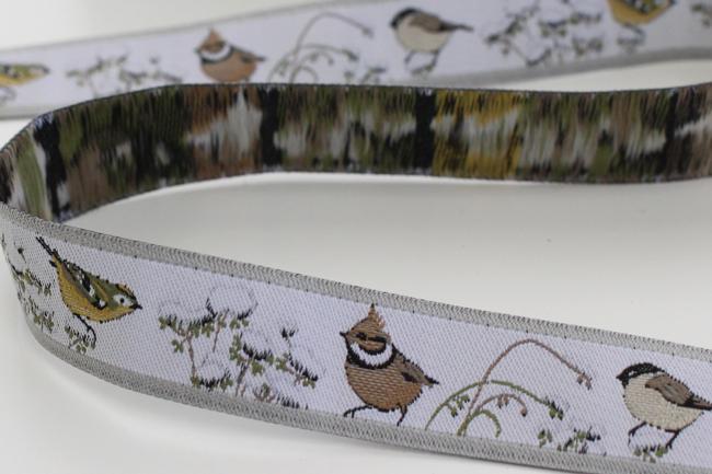 acufactumアクファクタム【50cm単位】約幅16mm-冬の小鳥柄ジャガードリボン