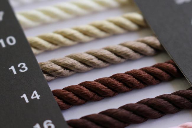 レーヨンツイスト【30m巻き】5310Dレーヨンツイストコード<BR>レーヨン100%の光沢のあるヒモ