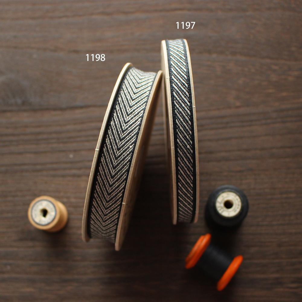 No,1198-18mm リネン100% ヘリンボーン柄リボン V字模様リネンリボン