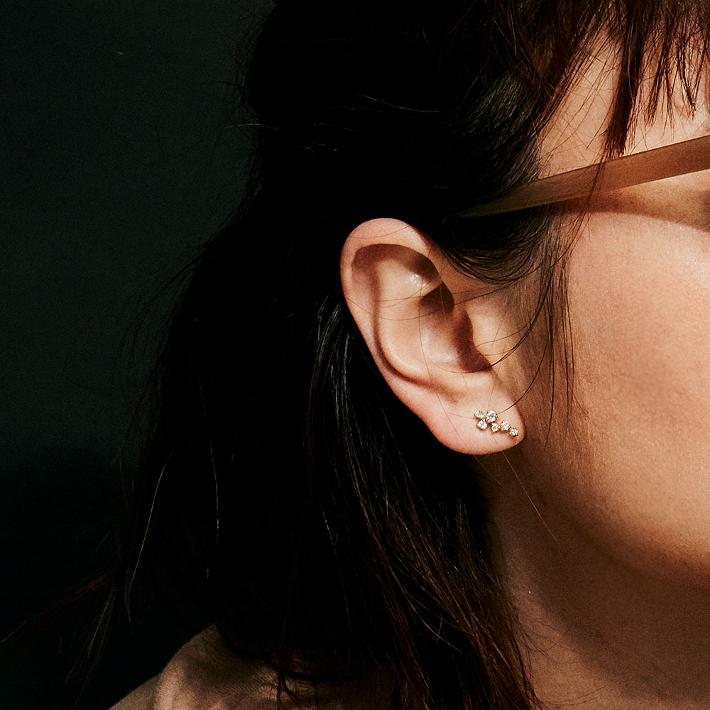 【ドラマ採用商品】ステラ ラボグロウンダイヤモンド ランダム ピアス K18YG