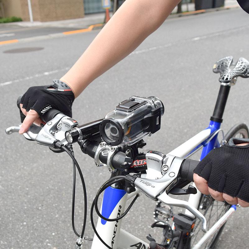 防水ケース付きデュアルアクションカメラ