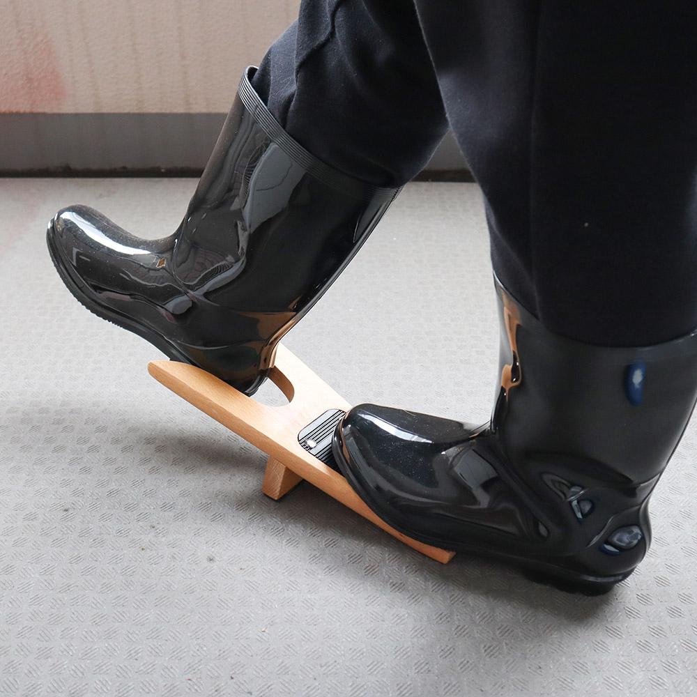 脱ぎづらいブーツがスルッと脱げる!「シューズ&ブーツジャック」