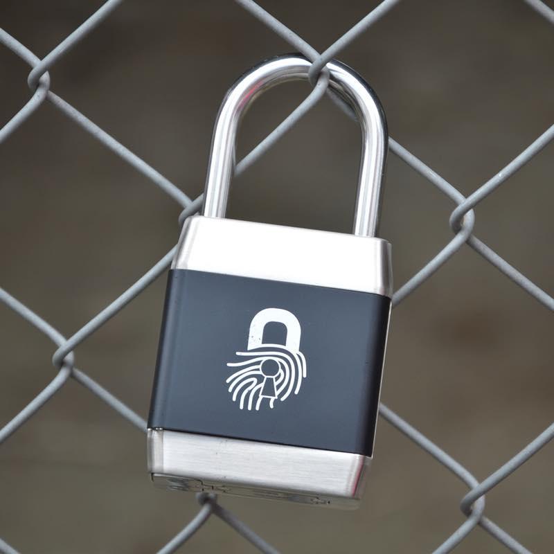 指でロック!指紋認証南京錠