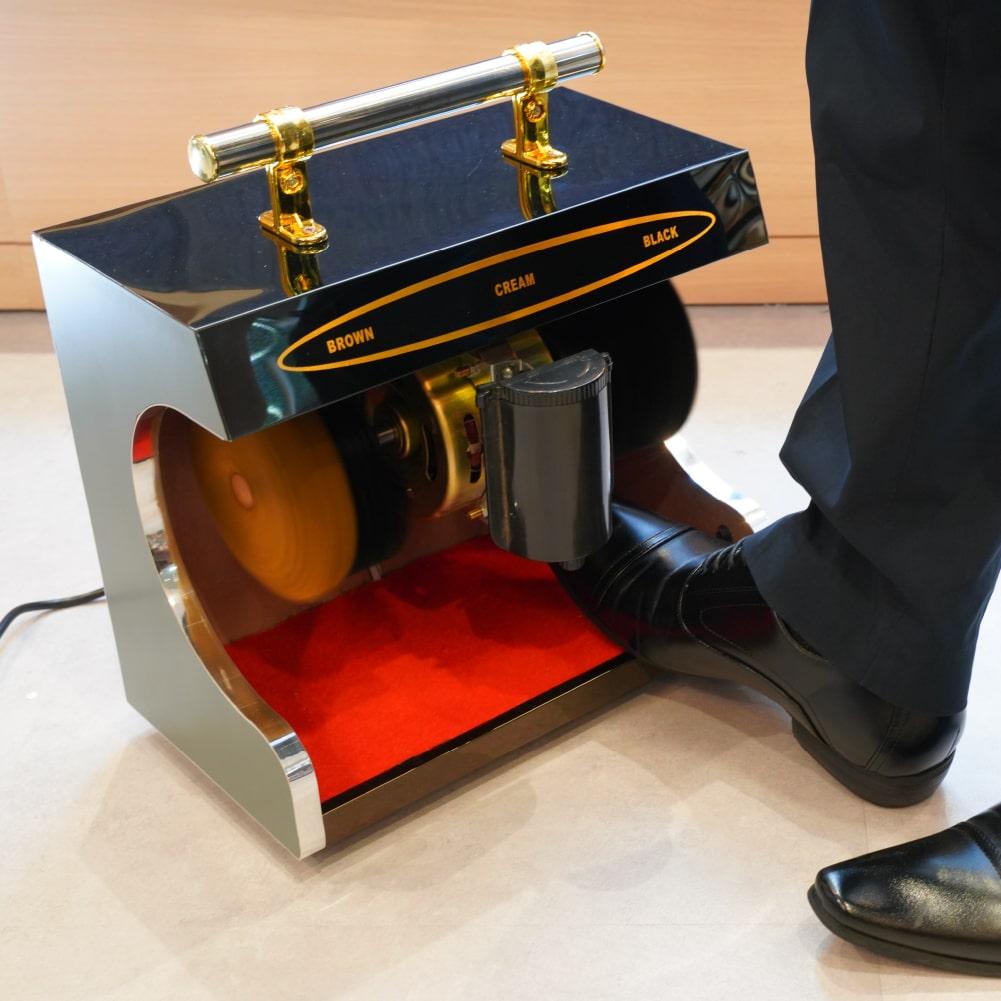 センサー付き全自動革靴ポリッシャー「靴磨き職人」