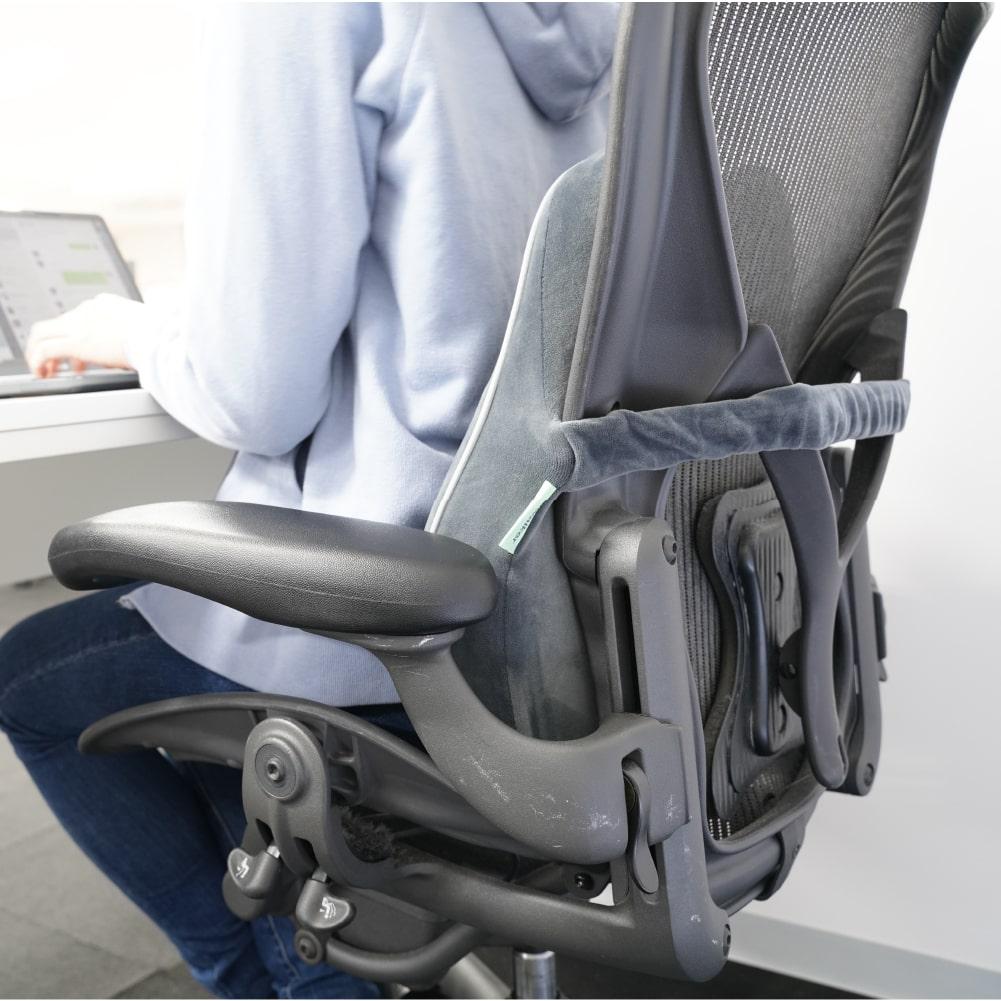 ヒーター&低反発で姿勢をアシスト!ランバーサポートクッション