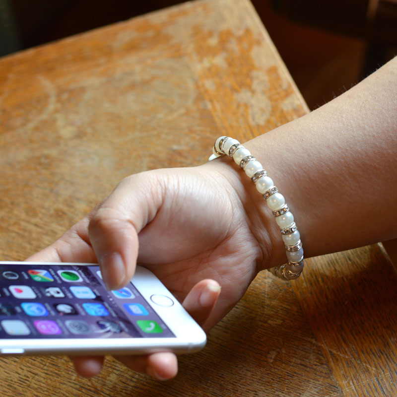 iPhone用きらきらパールブレスレット充電ケーブル(ブラック)