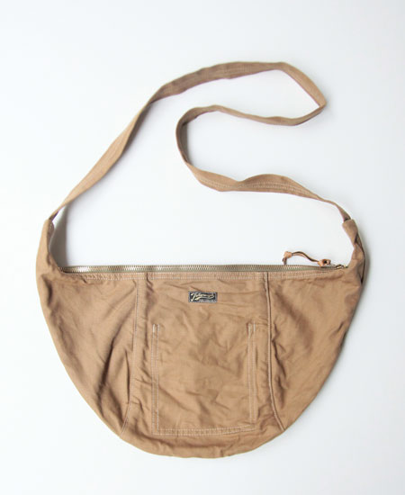 COLIMBO コリンボ LUNA PARK HALF-MOON BAG (DULL BEIGE)