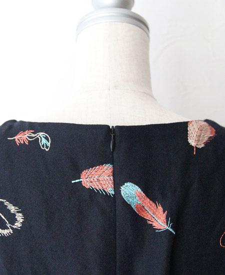everlasting sprout エバーラスティングスプラウト 鳥の羽刺繍のウエストを絞ったワンピース