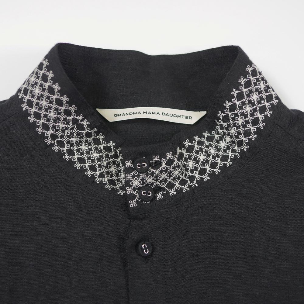 リネン刺繍スタンドカラーシャツ- GRANDMA MAMA DAUGHTER