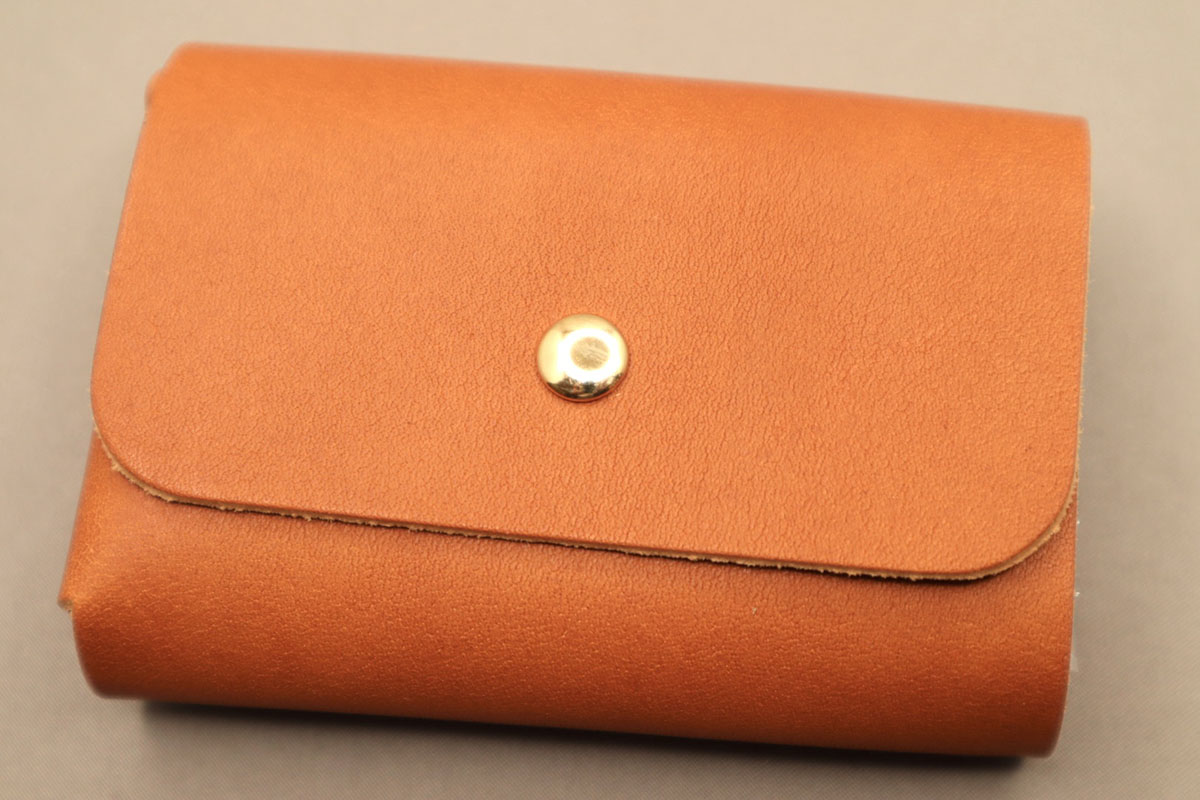 三つ折りコンパクト財布