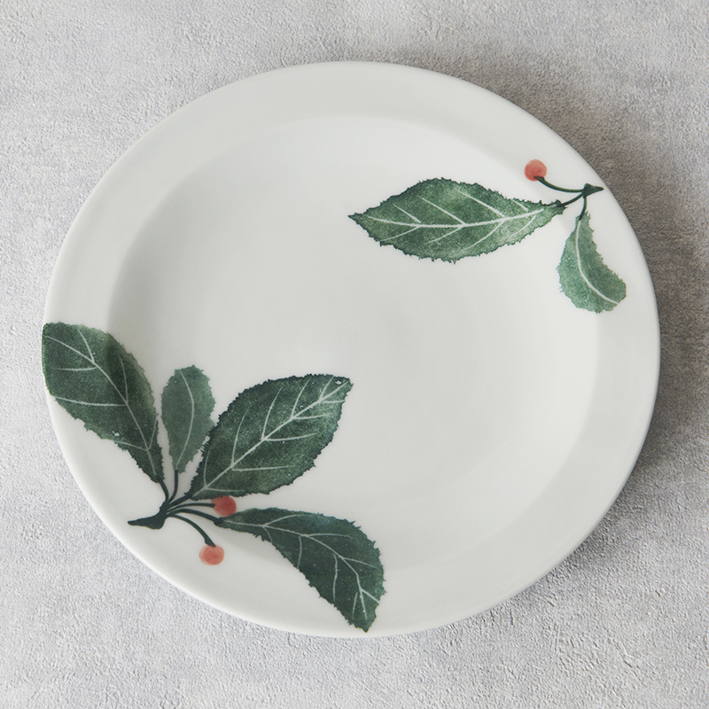 【砥部焼 陶房くるみ】 葉文&赤い実 5寸リム皿