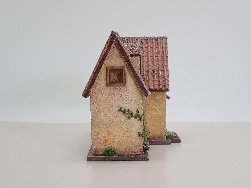 クチナシ色の家