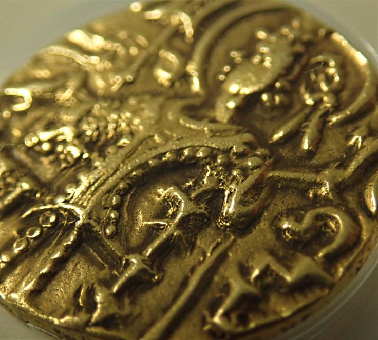 古代インド、キダーラ期のガダハラで発行されたディナール金貨(AD360-375年)