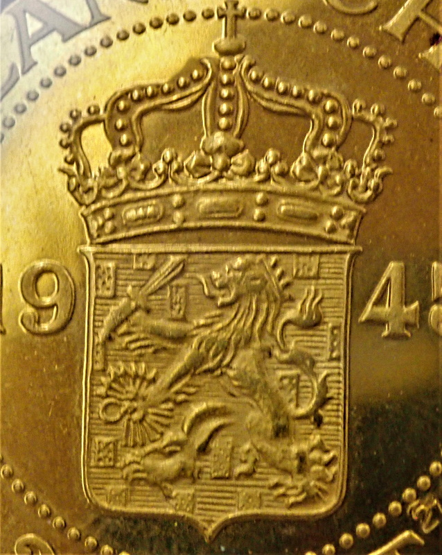 オランダ領東インドで1945年に発行された2.5セント、金打ち貨、KM-Pn34