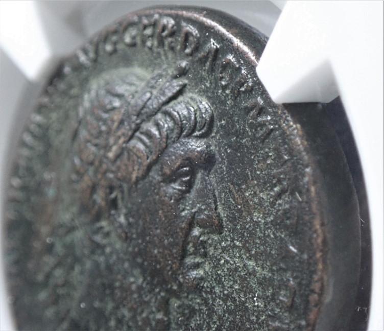 帝政ローマ、トラヤヌス(在位AD98-117年)統治下で発行されたセステルティウス貨