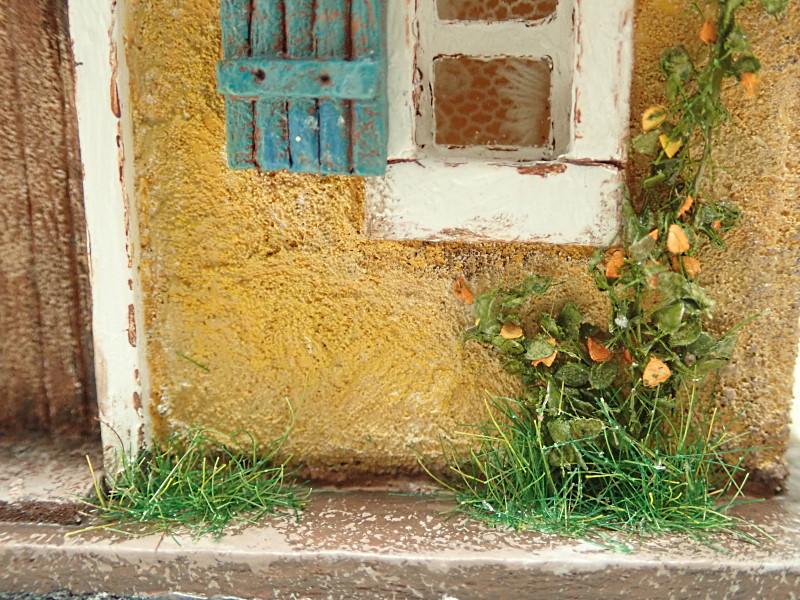 ドーマーのある黄色いお家