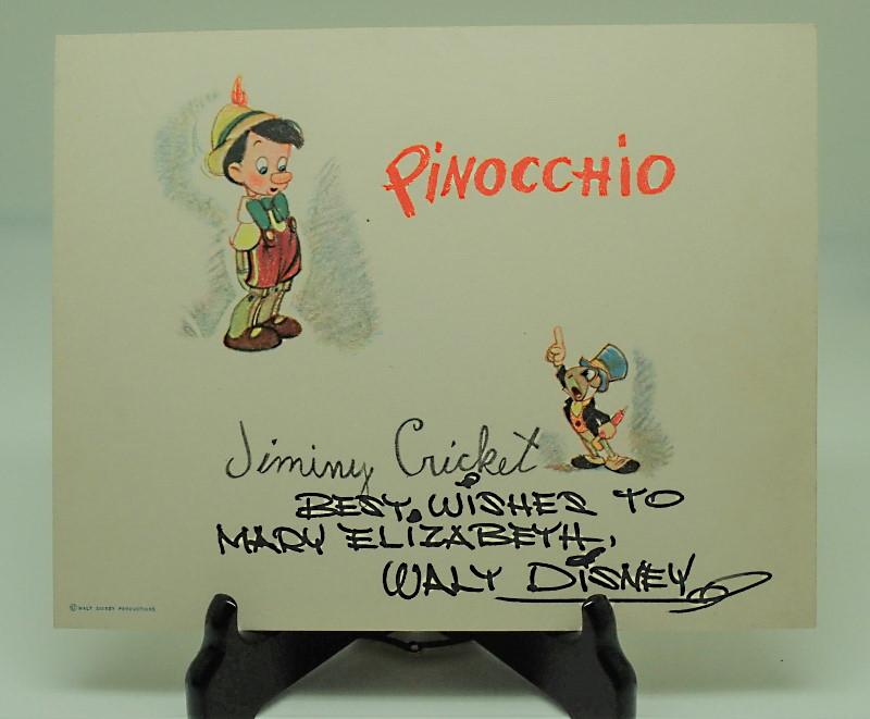 ピノキオ、白雪姫、ミッキー&ミニー、ドナルドダックなど計8枚のファンカード(ディズニーのサイン入り)