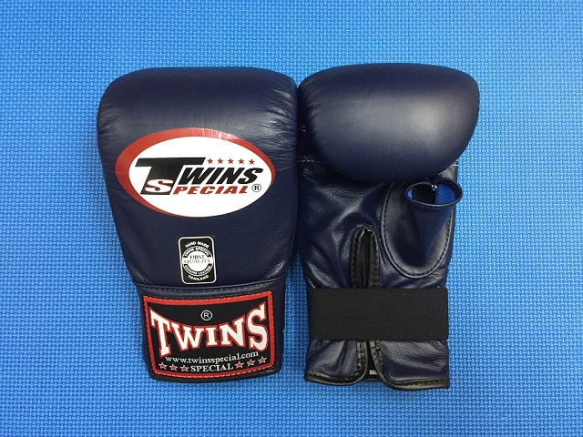 TWINSパンチンググローブ ・Sサイズ