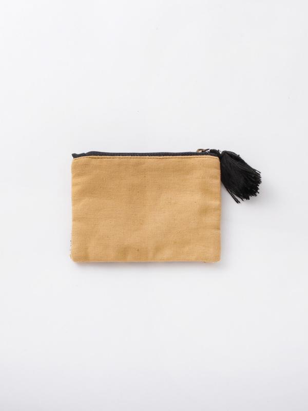 ビーズ刺繍フラットポーチ(2カラー)M42-1674
