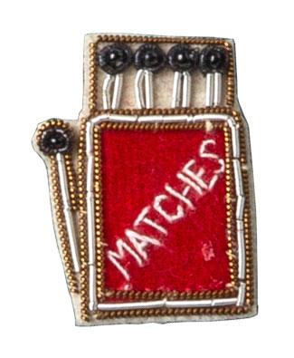ザリ刺繍ピンバッジ(マッチ) M21-1368