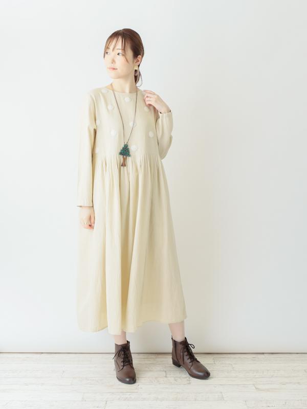 ふんわりドット刺繍・ワンピース(3カラー)21W010