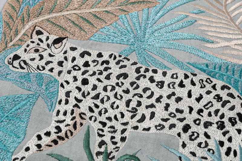レオパード刺繍クッションカバー(セージ) M26-1787SG