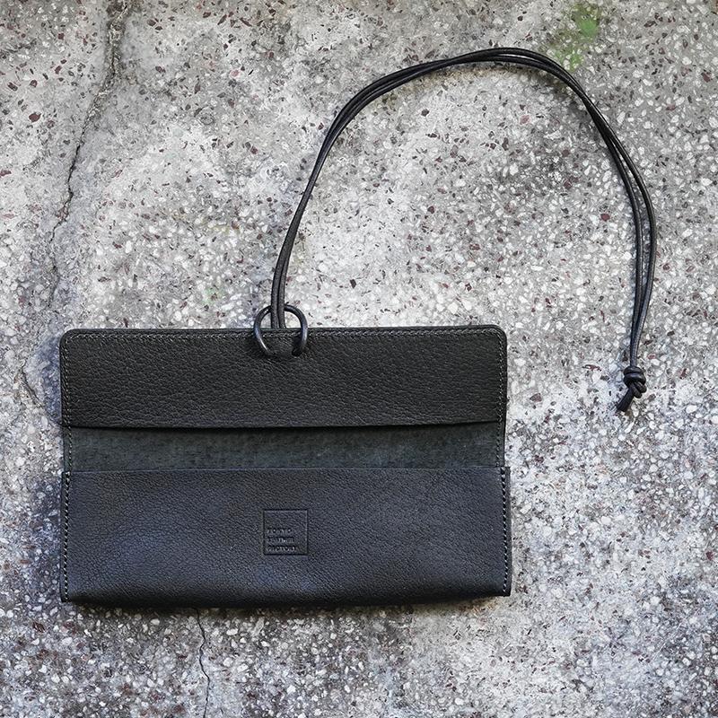 植物タンニンなめしの豚革ペンケース ブラック / T20110 Black