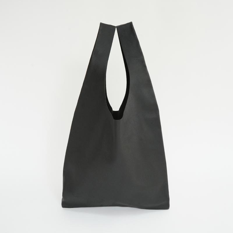 植物タンニンなめし豚革のマルシェバッグ ブラック / T20103 Black
