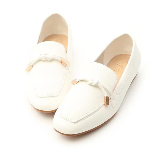 【D+AF】リボン付きソフトローファーシューズ ホワイト