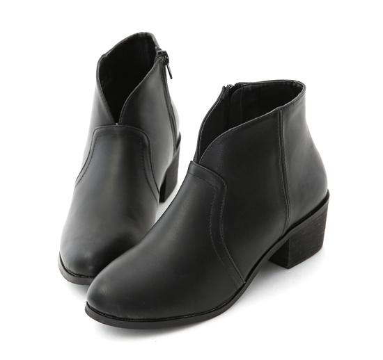 【D+AF】Vカット ショートブーツ ブラック