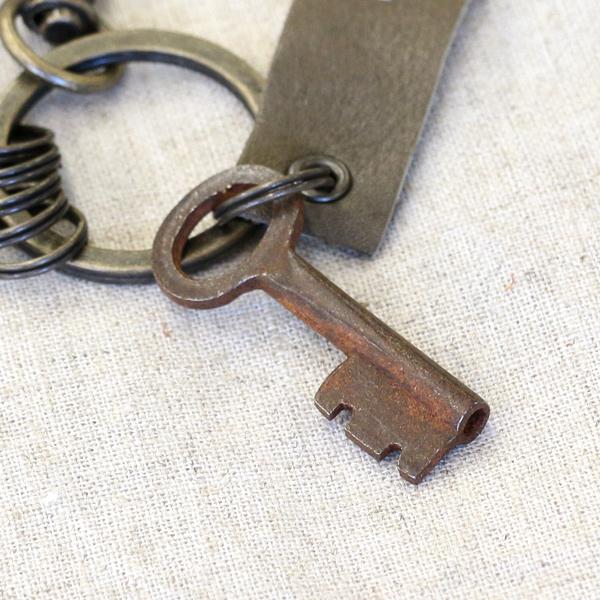 アンティークキー付きMINIキーホルダー(インドの古い鍵1)