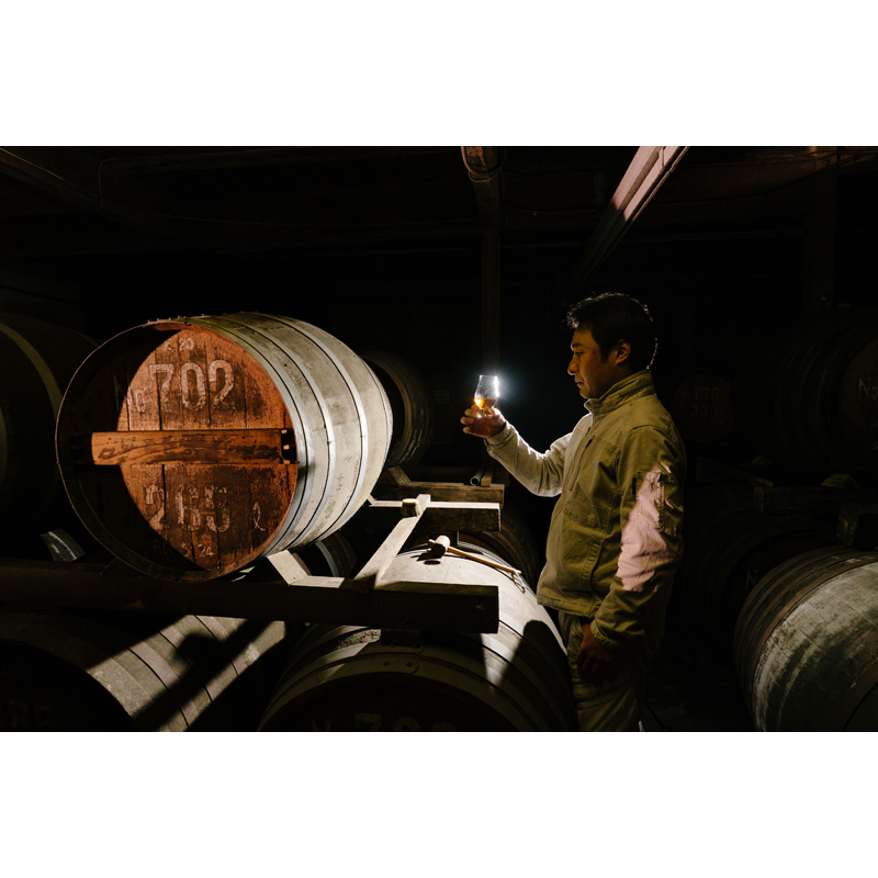 【えびす酒造】 らんびき SHINY GOLD FRENCH OAK CASK12年 麦焼酎42度 500ml