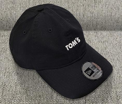 トムス x ニューエラ 930 BK/WH
