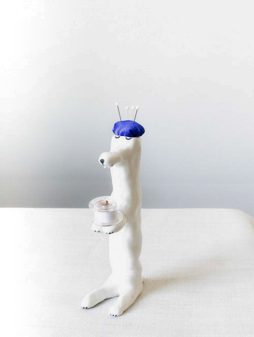 【TK】ピンクッション(うたたねしている犬・白-青)