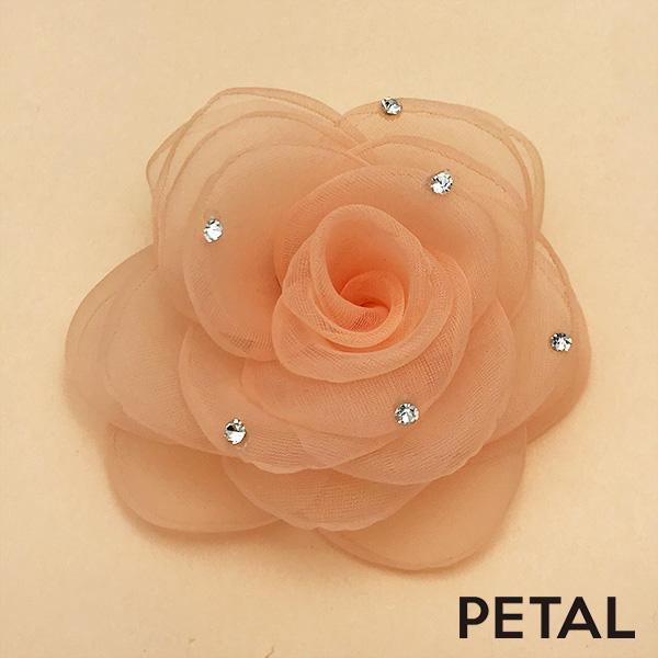 ブライダル☆しなやかな薔薇とパールのピン【PETAL MARKET】
