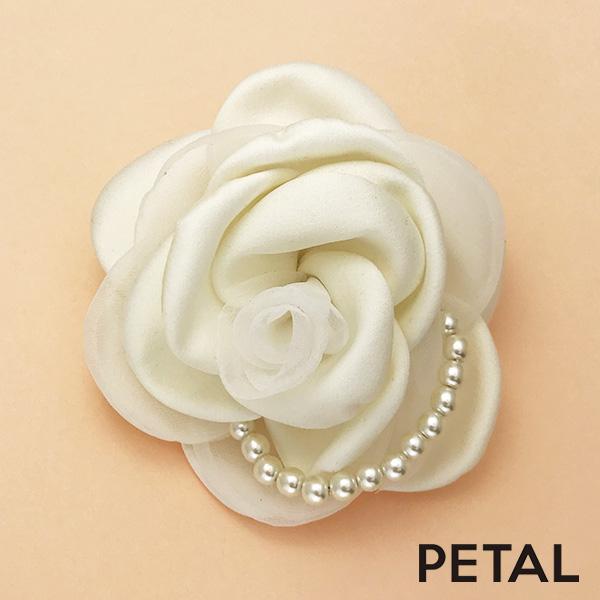 ブライダル☆上品な薔薇にパールをつけてピン【PETAL MARKET】