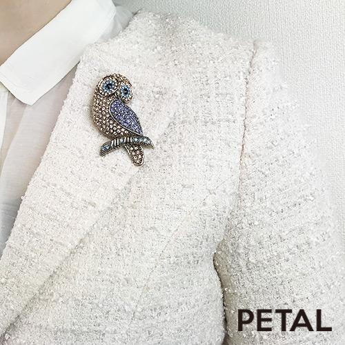 上品な大人のフクロウがとまったよブローチ【PETAL MARKET/TonnyWords】