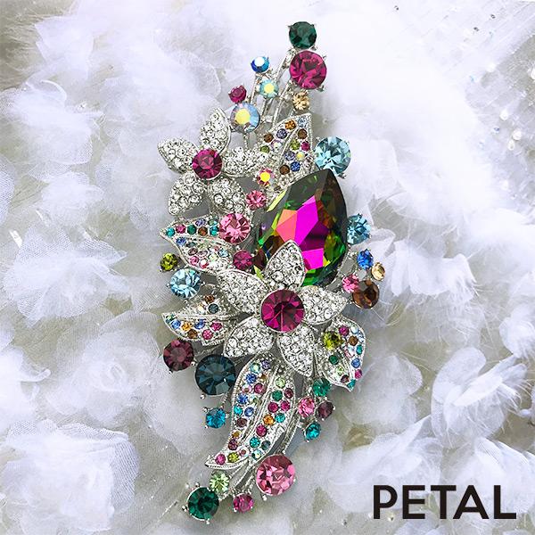バランスのとりやすい高価な花束のカラフルブローチ【PETAL MARKET】