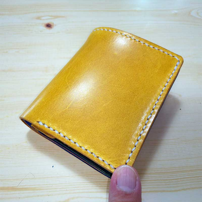 カラフル二つ折ミニ財布