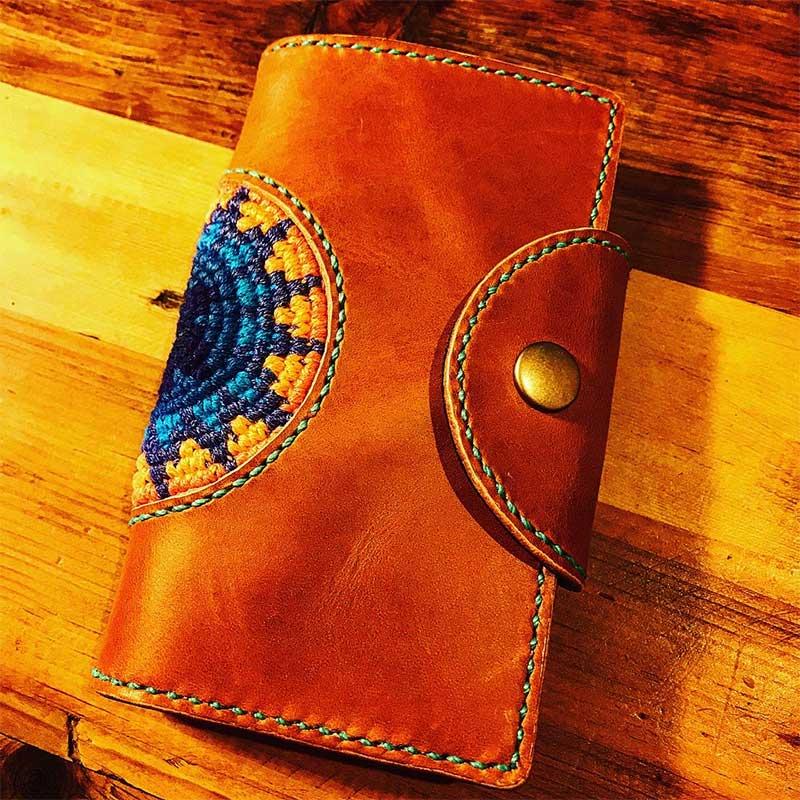 手帳型携帯ケース