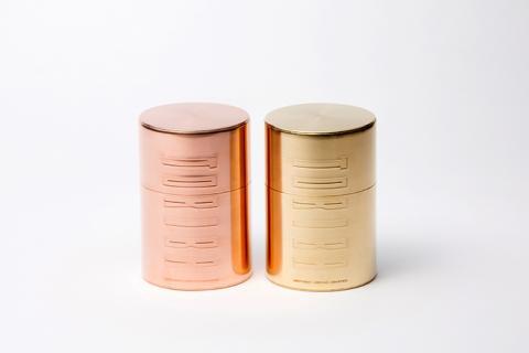[開化堂]茶筒平型200g押込み蓋 真鍮(写真右)