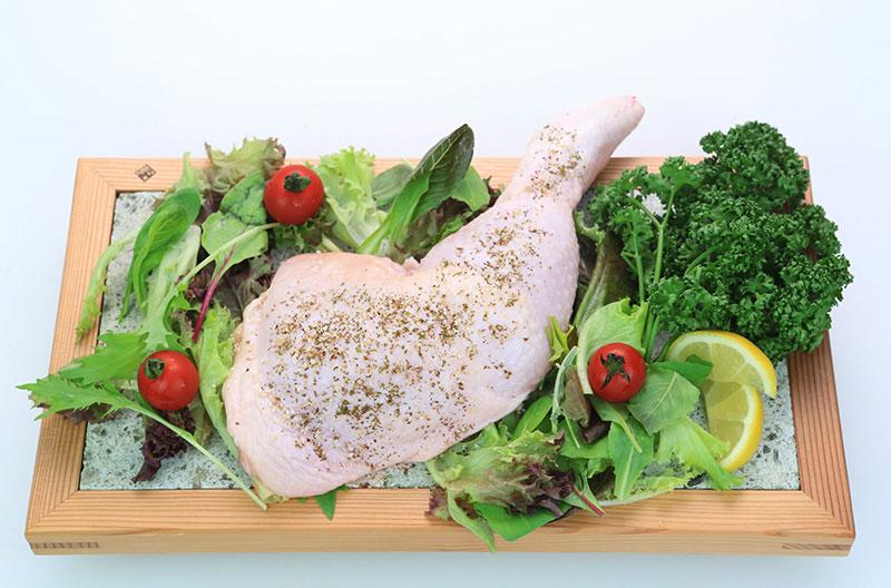 宮崎県産エビス鶏 骨付きもも肉 (2本)
