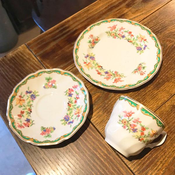 トリオ(カップ&ソーサー&ケーキ皿)GREEN ☆7,700円以上購入で送料無料!☆