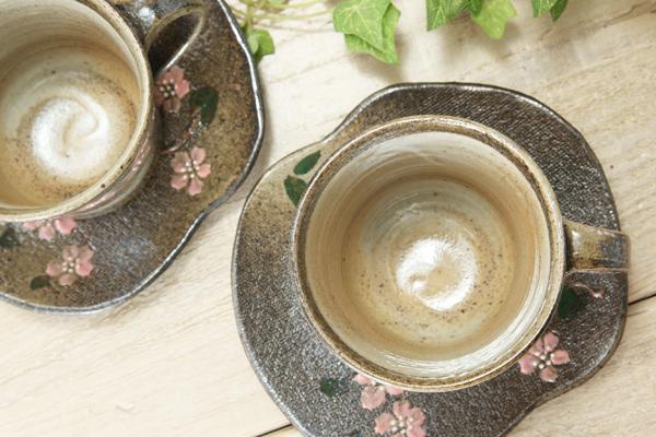 【益子焼】安定感とシンプルな形の珈琲カップ&ソーサー【下刷毛目&さくら模様】【ソーサー付き・単品1客】