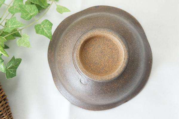 【益子焼】モツ煮やサラダ小鉢に☆さくらの開いた形の変形小鉢【中渦巻きハケ目・単品1個】
