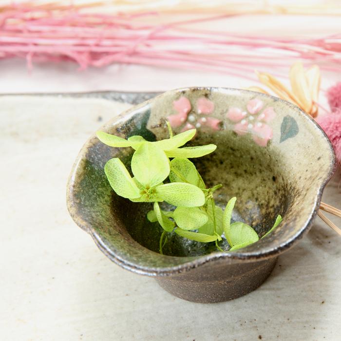 【益子焼】フリル風の変形 小さな豆小鉢 【さくら桜・単品1個】